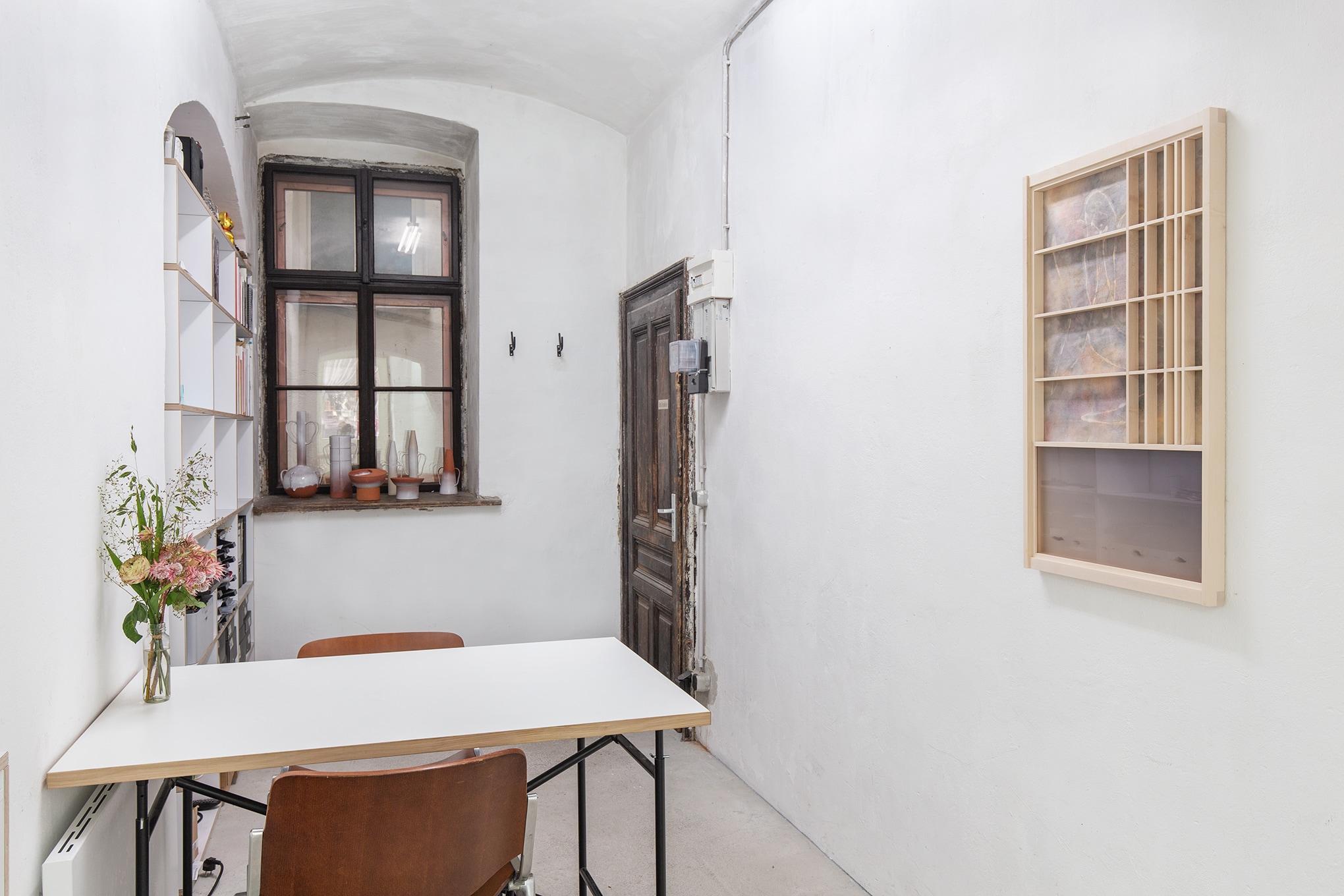 Chiara Bals & Jumpei Shimada, time sits crosslegged, exhibition view